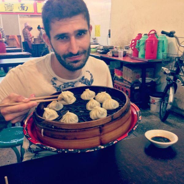 Trying steamed dumplings in Xi'An's Muslim Quarter