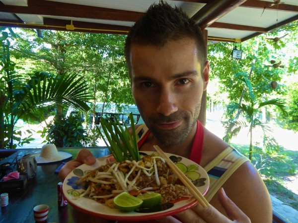 Vegetarian pad Thai recipe cooking class Chiang Mai
