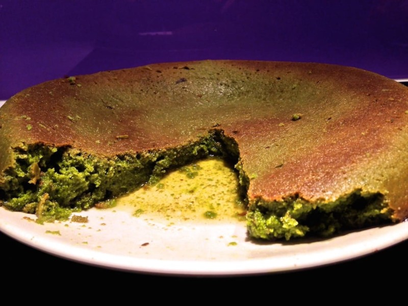 Matcha green tea cake one of our fav 10 traditional food of Japan